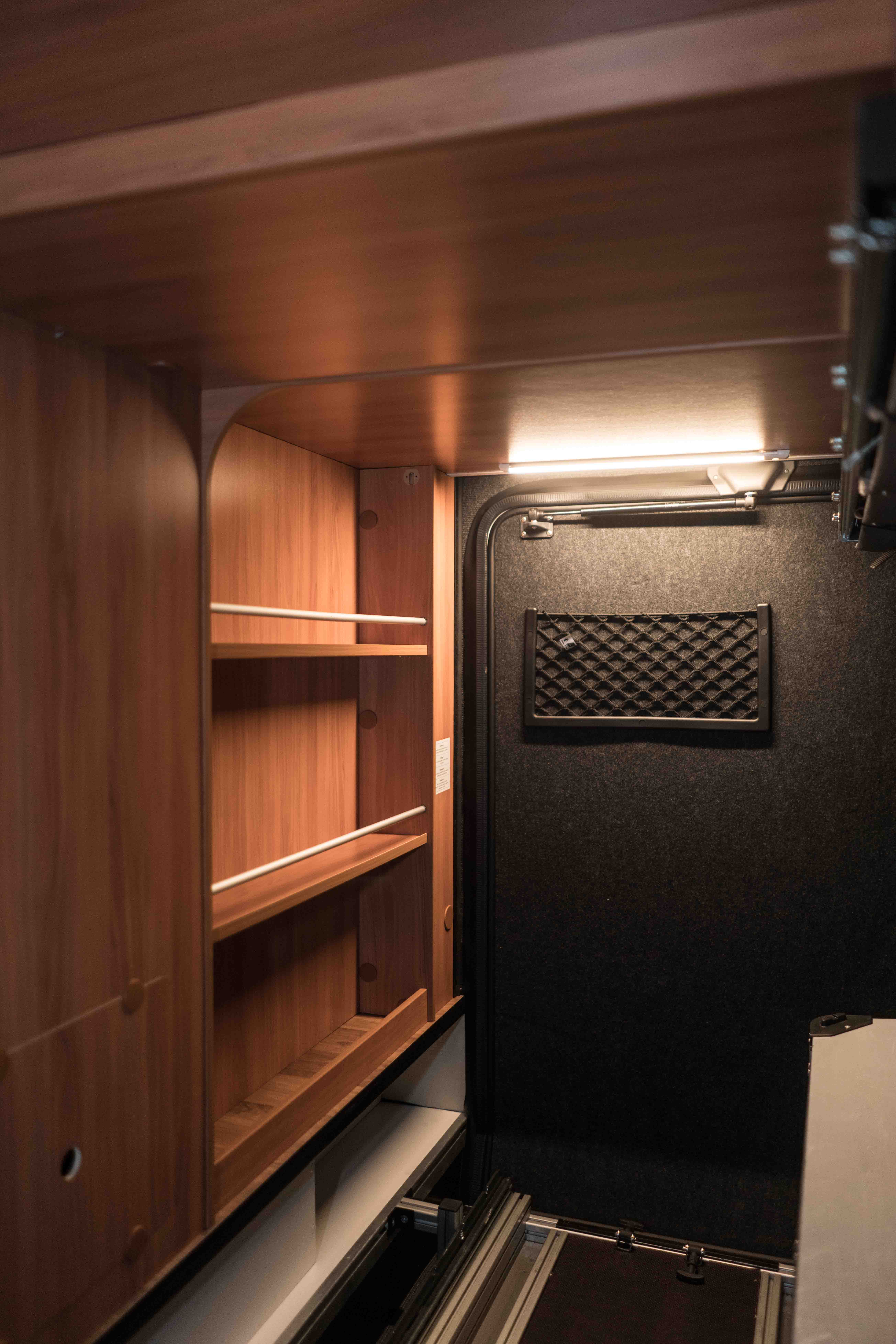 zusatzleuchte led in heckgarage sonstiges innen raum hymer gmbh und co kg. Black Bedroom Furniture Sets. Home Design Ideas
