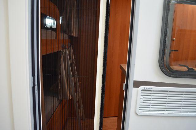 fliegenschutz rollt r nova light moskitonetze innen raum hymer gmbh und co kg. Black Bedroom Furniture Sets. Home Design Ideas